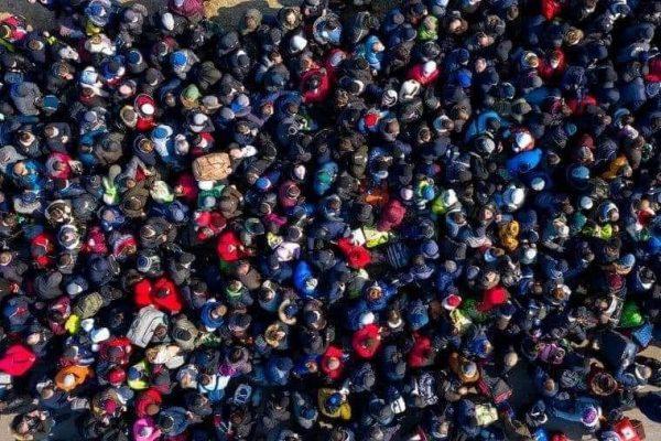 Українці масово тікають додому: чому економіку Польщі чекає великий удар