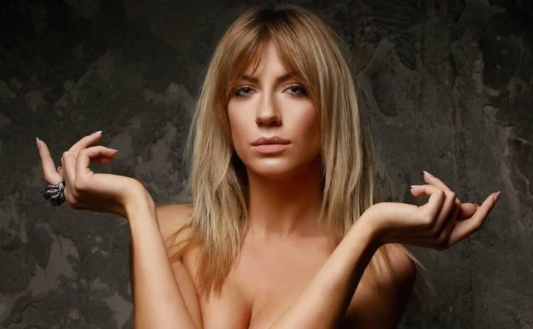 """""""Я ще так хазяйка"""": відома українська телеведуча оприлюднила еротичне фото і вразила досягненнями"""