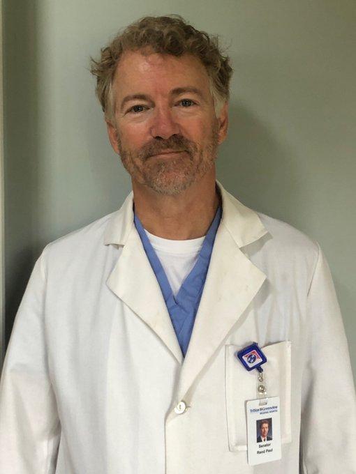 Американський сенатор подолав коронавірус і залишився волонтером у лікарні