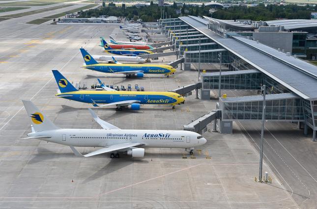 Асоціація аеропортів України відкритим листом звернулась до Зеленського та Шмигаля