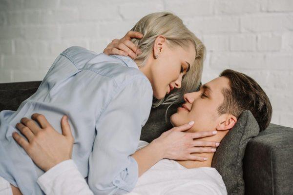 Коронавірус і секс: експерти відповіли на найпоширеніші запитання щодо інтиму під час пандемії