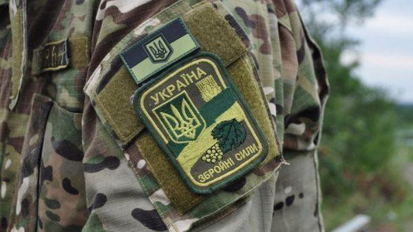 Одягнув форму і подякував дружині за дітей: на Львівщині повісився молодий військовий