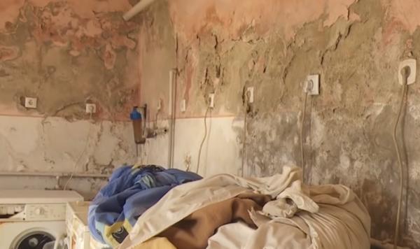 Іржа, цвіль і повна антисанітарія: лікарня на Закарпатті жахнула умовами, в яких лікуються хворі пацієнти (фото і відео)