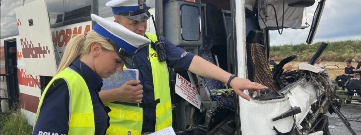 ДТП з автобусом з українцями Польщі: відомі причини і стан постраждалих