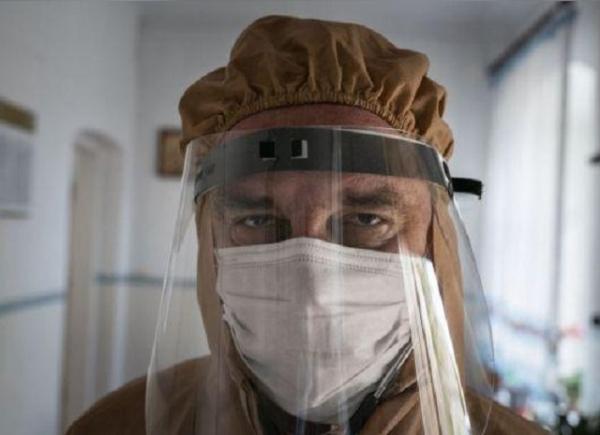 Лікар, який став символом боротьби з коронавірусом, помер від пневмонії (ФОТО)
