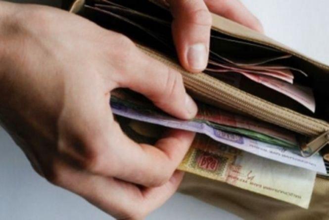 Українці можуть після звільнення ще майже рік отримувати частину зарплати: закон