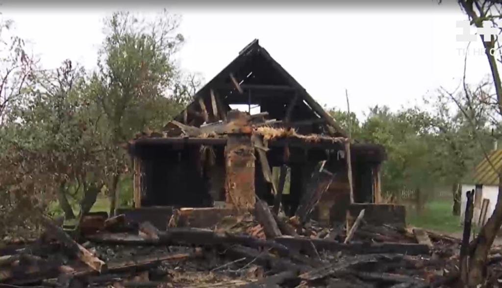 На Житомирщині сімейна сварка закінчилася пожежею