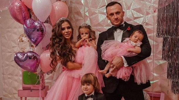 Без батька залишилось троє діток: від коронавірусу помер відомий український блогер (фото)