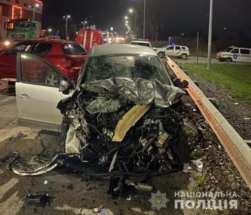 На Львівщині водій вилетів на зустрічну і влаштував ДТП: багато жертв. Фото