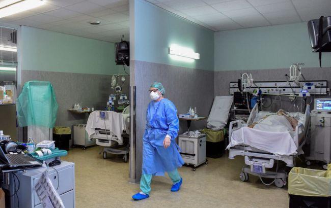 Медсестра з Італії розповіла жахливу правду про другу хвилю COVID-19: лікарні вже переповнені!