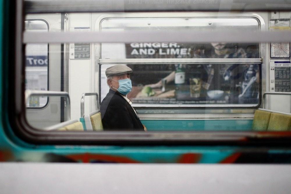 ВООЗ радить носити маски навіть тим, хто одужав від COVID