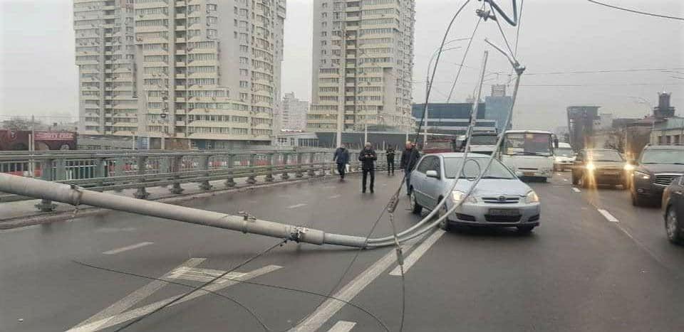 Втомлений Шулявський міст: Кличко та замовник будівництва звернулися до поліції