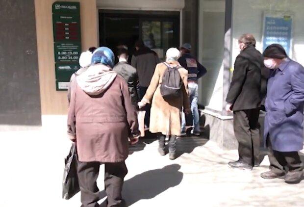 Посилення карантину під ялинку: Які заборони Україна отримала з 19 грудня і чим вони відрізняються від локдауну