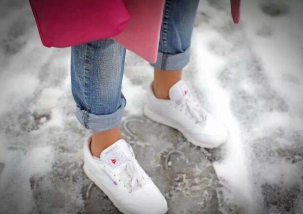 Підвороти на брюках — шлях до інвалідності: лікарі суворо попередили батьків підлітків