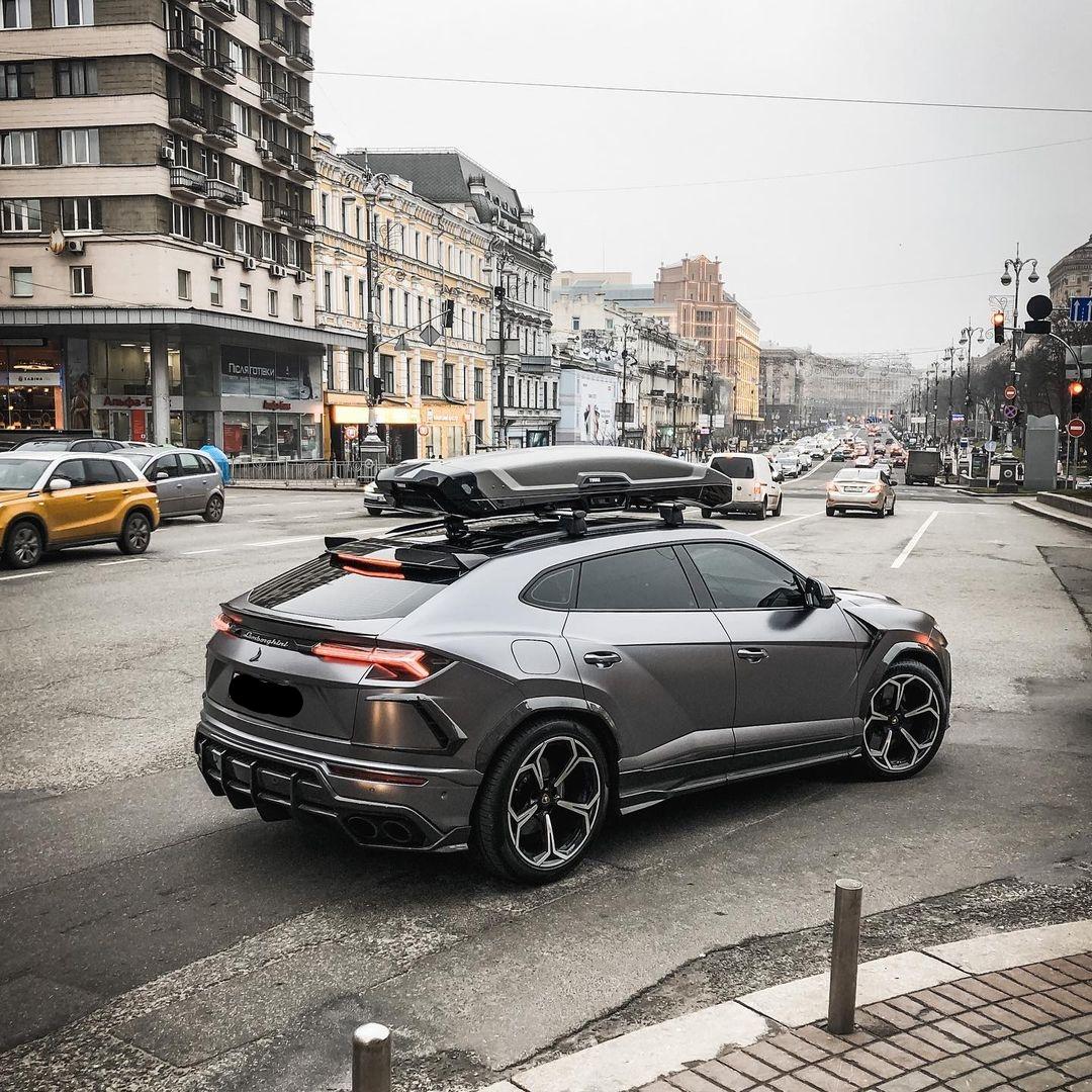 У Києві засвітився рідкісний суперкар Lamborghini – коштує понад 11 млн: фото