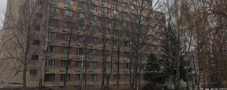 Склав сесію успішно: з вікна гуртожитку раптово викинувся студент українського вишу