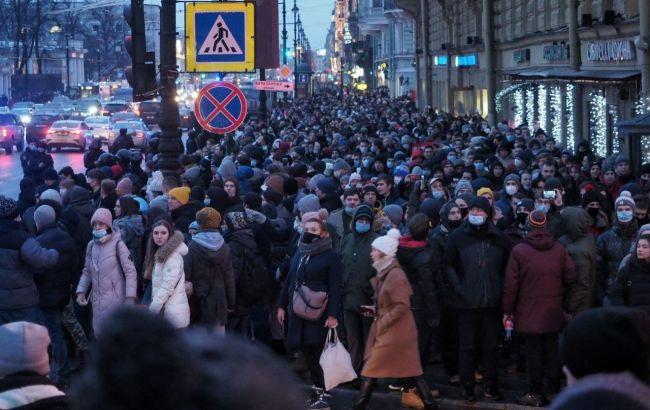 """""""Мало людей"""": у Кремлі оцінили кількість людей на мітингах за Навального"""