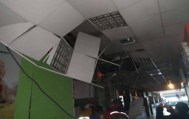"""У Чернівцях стався вибух в торговому центрі """"Майдан"""""""