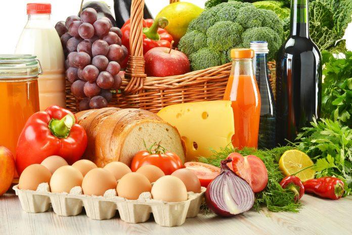 В Україні продовжують стрімко зростати ціни: які продукти суттєво подорожчають