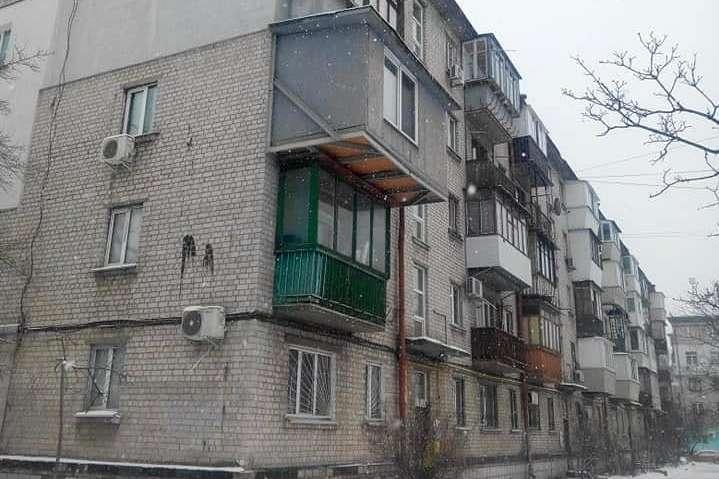 Власнику «цар-балкона» на Дарниці загрожує штраф і суд